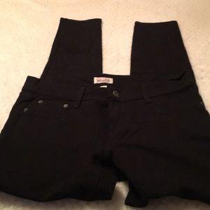 ⛱ 3/$10 Mudd Jeans Size L